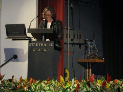 Kreisvorsitzende Friederike Mugele bei der Begrüßung